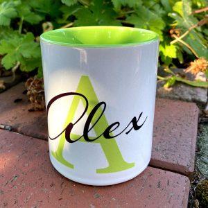 Personalisierte Tasse mit Namen und Initial